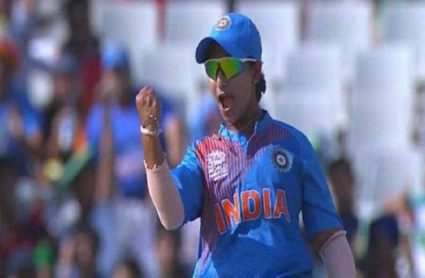अनुजा और प्रीति की घातक गेंदबाजी, इंडिया ब्लू की एकतरफा जीत