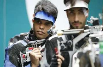 ASIAN GAMES: दीपक कुमार ने 10 मीटर एयर राइफल में जीता सिल्वर मेडल, दूसरे दिन खुला भारत का खाता