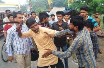 गोवंश ले जा रहे युवकों को बेरहमी से पीटा, हिंदू गोरक्षा दल का राष्ट्रीय अध्यक्ष गिरफ्तार, 30 लाेगों पर केस दर्ज