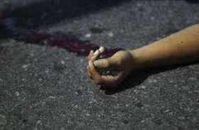 यूपी के देवरिया में भाजपा नेता को पहले लाठी डंडे से पीटा, फिर गला दबाकर मार डाला