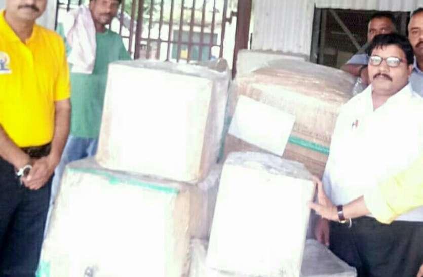 केरल की मदद को इंदौर ने भी बढ़ाए हाथ, भेजी राहत सामग्री
