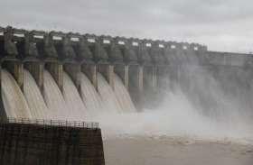 Narmada बांध के चार गेट बंद, सात से पानी की निकासी