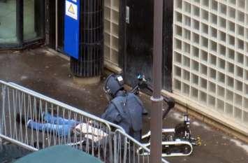 पेरिस: चाकू हमले में एक व्यक्ति की मौत, दो गंभीर रूप से घायल