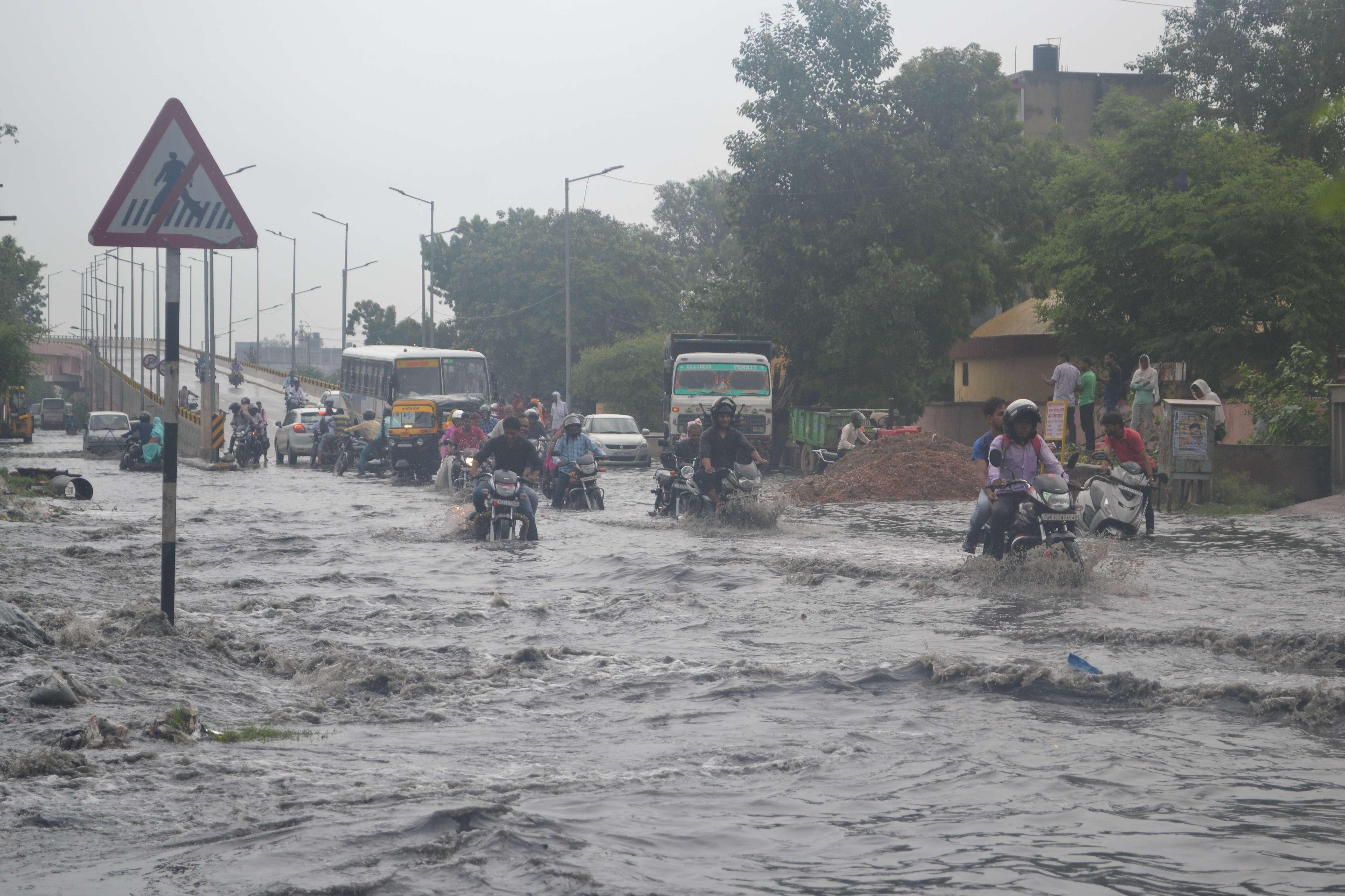 Sewer Dirty Water Spread In Alwar