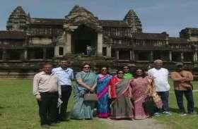 विदेश मंत्री सुषमा स्वराज ने किए कंबोडिया के प्रसिद्ध अंकोरवाट मंदिर के दर्शन, देखें तस्वीरें