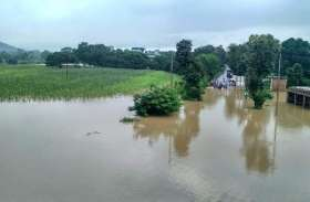 बारिश ने मचाया कोहराम, मवेशी मरे, कच्चे मकान ढहे, फसल भी बर्बाद