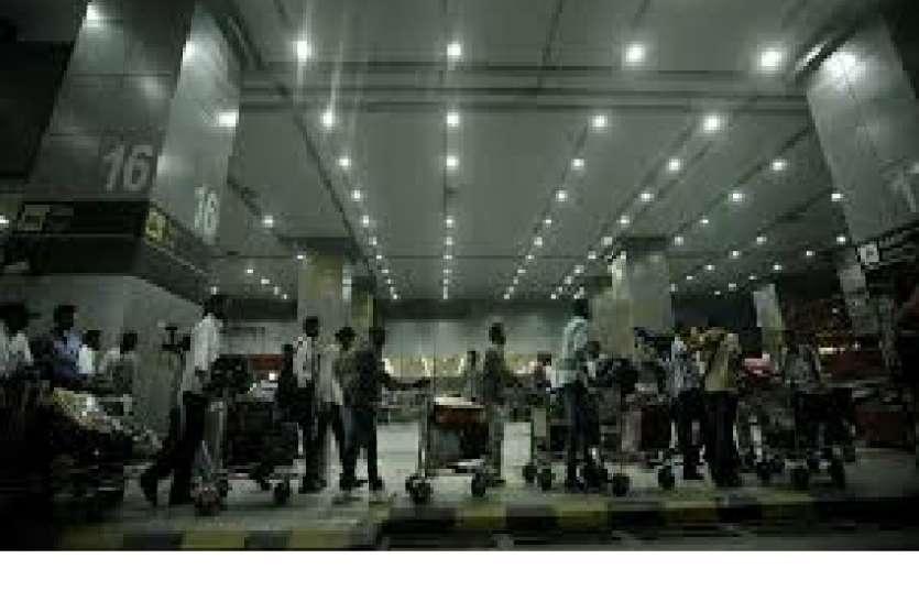 दिल्ली एयरपोर्ट पर बॉलीवुड अभिनेत्री ने किया जोरदार विस्फोट, पुलिस ने किया गिरफ्तार, जमानत मिली