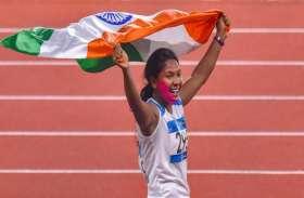 रिक्शा चालक की बेटी स्वप्ना ने जीता देश के लिए सोना, पैर में 6 छह उंगलियों के कारण करना पड़ा था संघर्ष