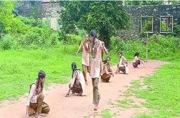 यहां 87 साल में पहली बार खेलने जाएंगी बेटियां...ये संभव हो पाया है ग्रामीणों के खेल के प्रति समर्पण के कारण...