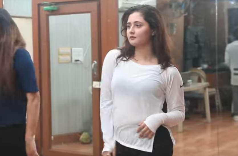 रश्मि देसाई ने खेसारी के भोजपुरी गाने 'धुकुर धुकुर...' पर मचाया धमाल
