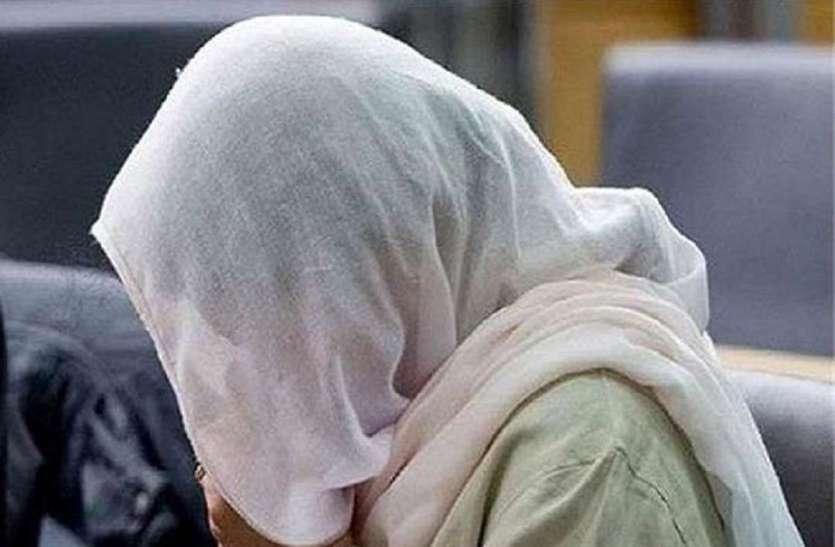 जबलपुर ले जाने का बोलकर लड़की को दी लिफ्ट, जंगल में रोकी कार और चाकू की नोक पर किया बलात्कार