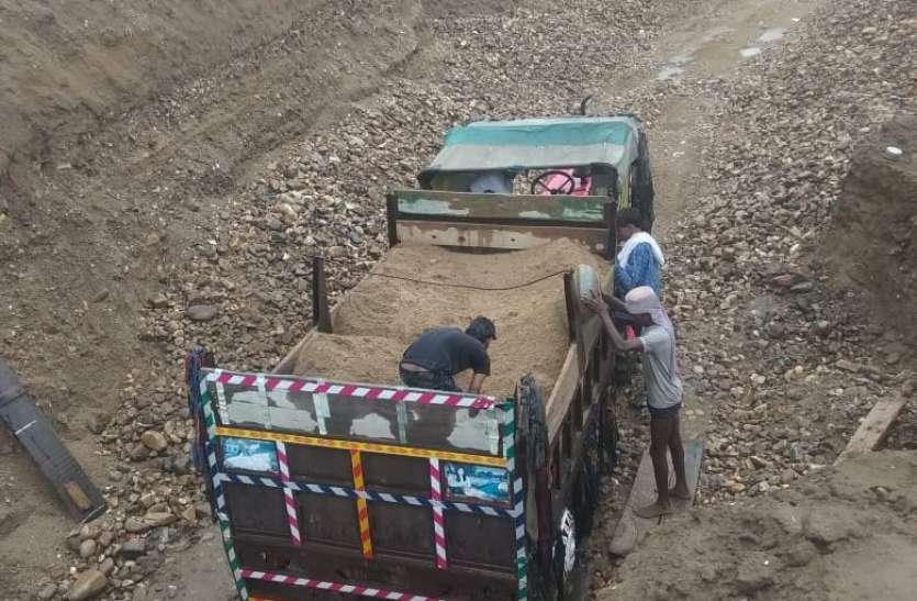 सावां नदी का सीना छलनी, जिम्मेदारों ने जिम्मेदारी टाली