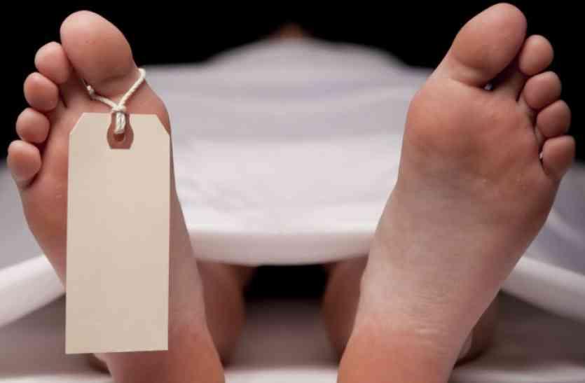 पत्नी को दाहसंस्कार के लिए ले जे जा रहे पति की भी मौत