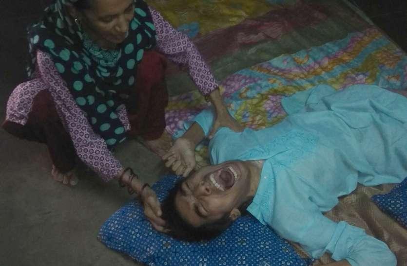 इरफान की तकलीफ देख मां की आंखों से छलकते हैं आंसू