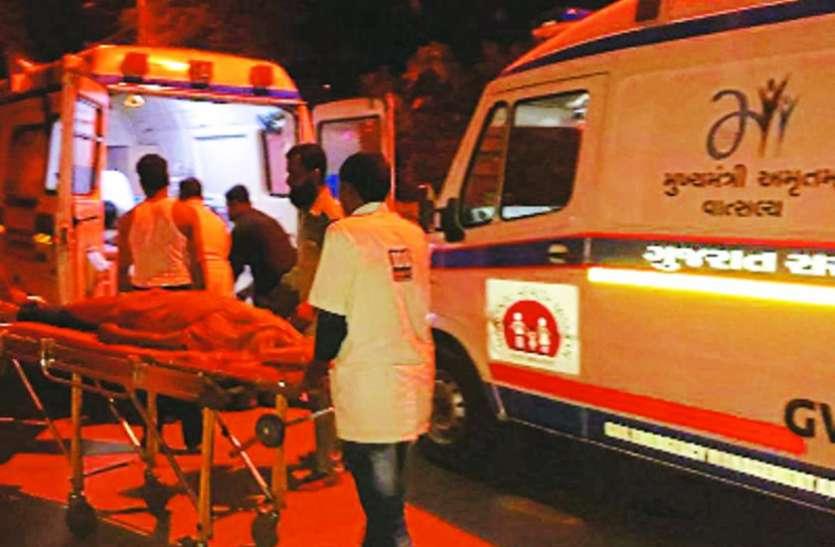 कार नाले में गिरी, 7 बच्चों की मौत, तीन घायल
