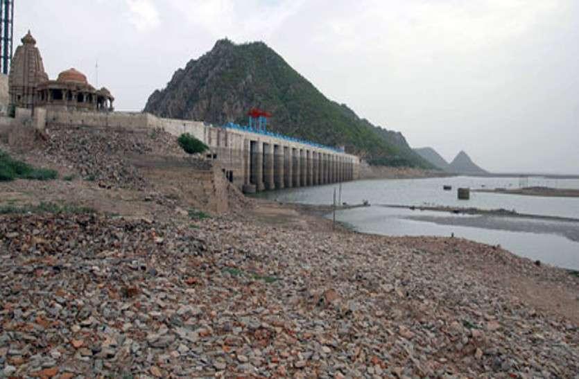 बीसलपुर बांध ने बढ़ाई जलदाय विभाग की चिंता