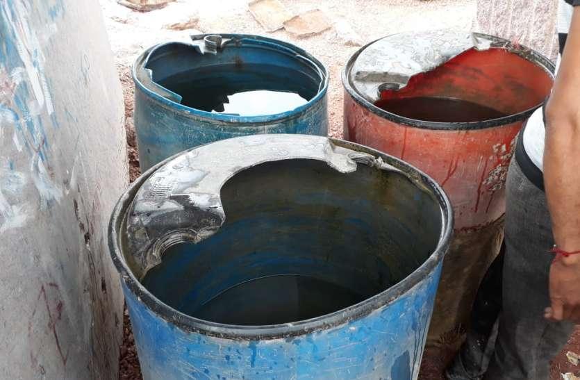 ग्रेनाइट पत्थर खदान में घुट रहा मजदूरों का दम, पीने तक के लिए नहीं साफ पानी