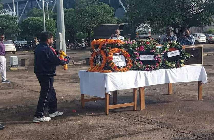 Breaking: जम्मू-कश्मीर में शहीद हुए दुर्ग के जवान का पार्थिव देह पहुंचा रायपुर, अंतिम विदाई देने गृहग्राम उमरपोटी में उमड़ा जन सैलाब