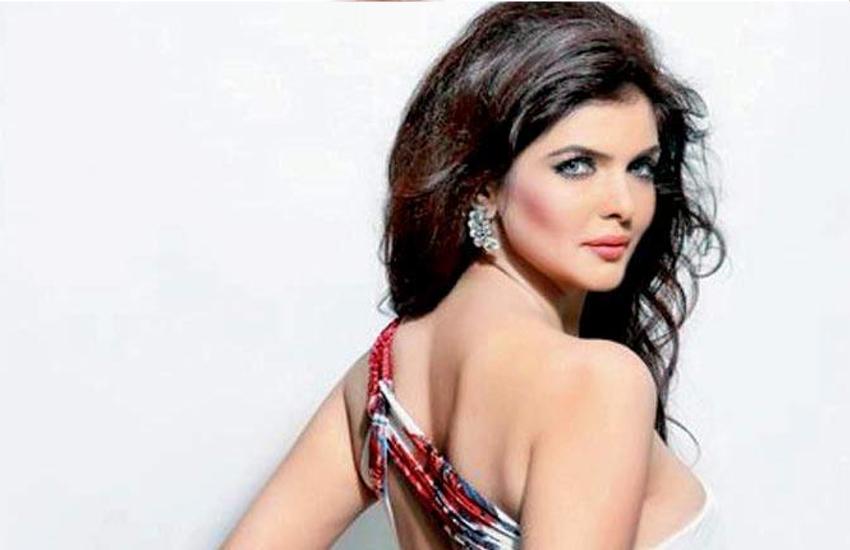 चैरिटी के मामले में सोचना नहीं चाहिए : इहाना ढिल्लन