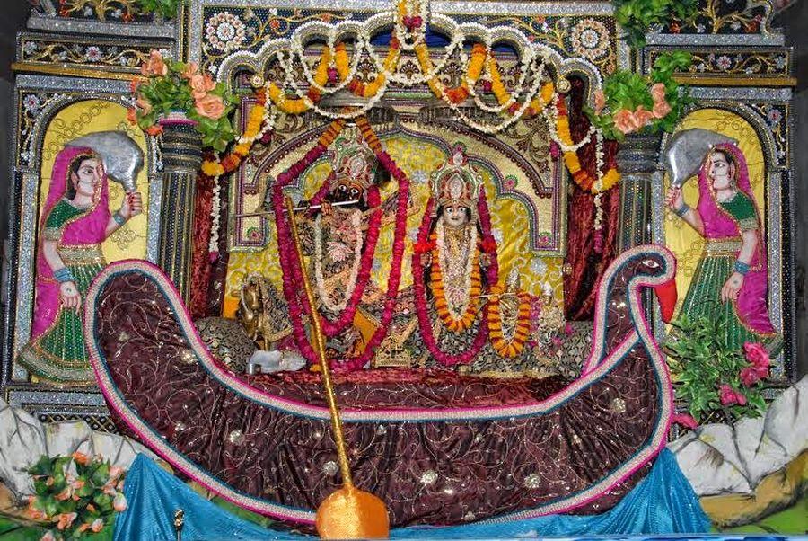 Lord Krishna : बृज में आनंद भयो, जन्मयो यशोदा को गोपाल