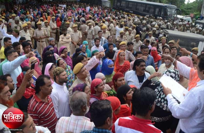 बांसवाड़ा : देर रात किया शवों को सुपुर्द-ए-खाक, शहर में माहौल शांत