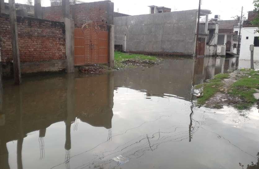 राम नगरी अयोध्या में बारिश बनी बड़ी समस्या