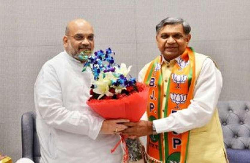 गुजरात में कांग्रेस को झटका, पटेल समुदाय के प्रभावशाली नेता जीवा भाई ने भाजपा का दामन थामा