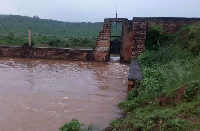 शहर के साथ छल, अफसर कर रहे बराबर पानी देने का दावा लेकिन पूरा पानी जा रहा हिम्मतगढ़