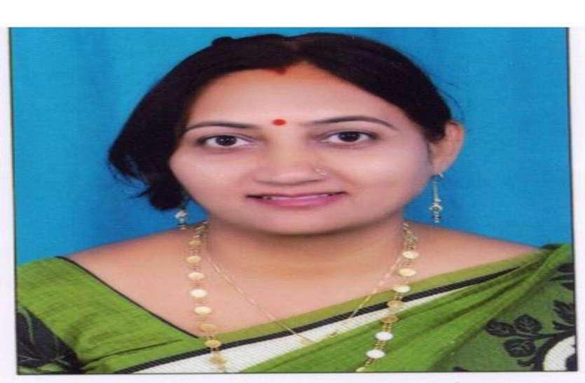 हैप्पी टीचर्स-डे: इन शिक्षकों को प्रणाम, संस्कृत को बनाया सरल विषय, फोन से लेते हैं होमवर्क की जानकारी