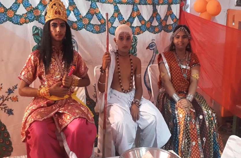 धूमधाम से मनाया कृष्ण जन्मोत्सव जय कन्हैयालाल के जयकारों से गूंजे मंदिर