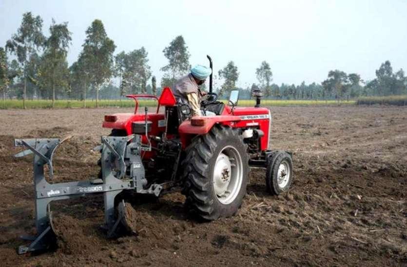 किसानों के लिए खुशखबरी, अब एक फोन कॉल पर उपलब्ध होगा ट्रैक्टर