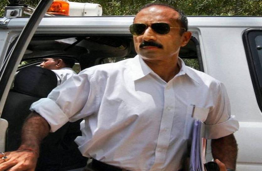गुजरात के पूर्व आईपीएस अधिकारी संजीव भट्ट पुलिस की हिरासत में, लगे गंभीर आरोप