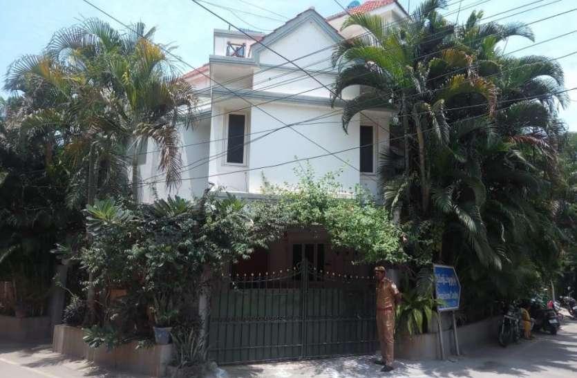 यहां पड़े छापे.: तमिलनाडु के स्वास्थ्य मंत्री व पुलिस महानिदेशक के आवास पर सीबीआई छापे