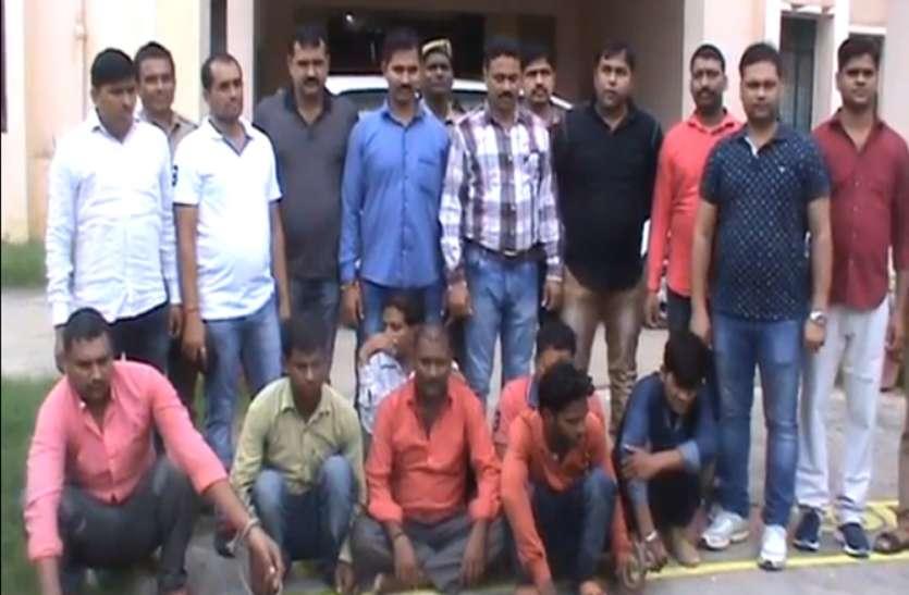 पुलिस को मिली बड़ा सफलता, असलहा तस्कर गिरोह के सात सदस्यों को किया गिरफ्तार