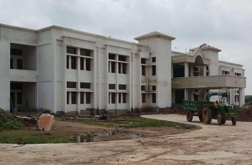 केंद्रीय विद्यालय भवन निर्माण कार्य की चाल से कछुआ भी शर्माए
