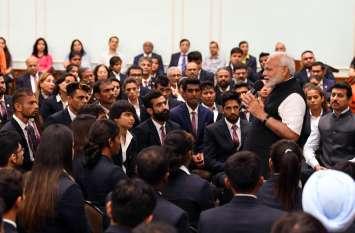 प्रोटोकॉल तोड़ Asiad पदक विजेताओं से मिले PM मोदी, इन एथलीटों के लिए कही दिल जीतने वाली बात