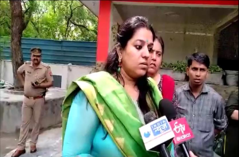 राज्य महिला आयोग की उपाध्यक्ष सुषमा सिंह ने सांई बाल कुटीर अनाथालय में मारा छापा, देखें वीडियो