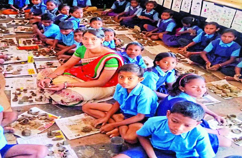 Teacher's day 2018 : अंग्रेजी सरल बनाई, सुर-साधना सिखाया, गुरु के साथ निभाया पिता का भी फर्ज
