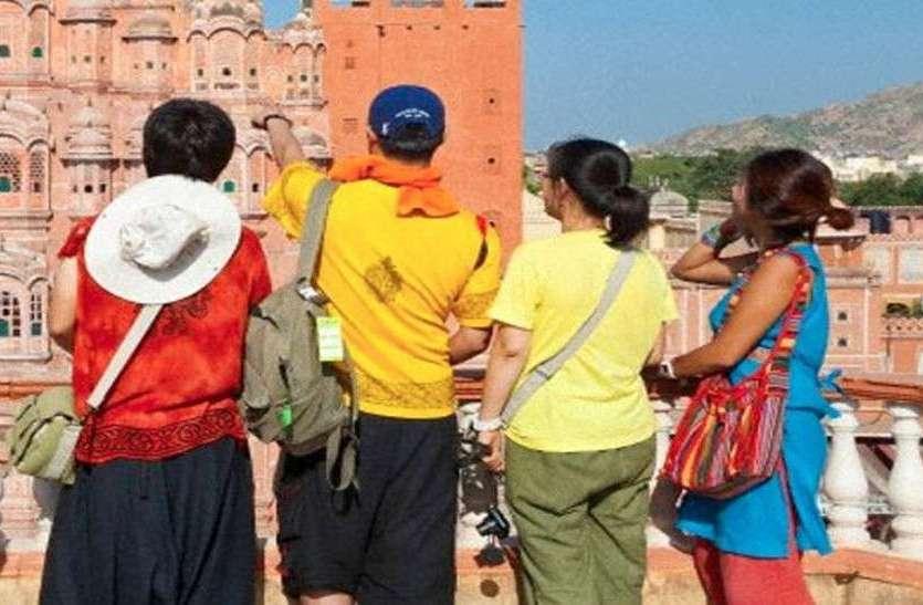 क्यों गायब हो रहे हैं पर्यटकों के रखवाले