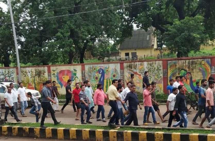 सड़को में दिखा बंद का व्यापक असर, तैनात रहा भारी पुलिस बल