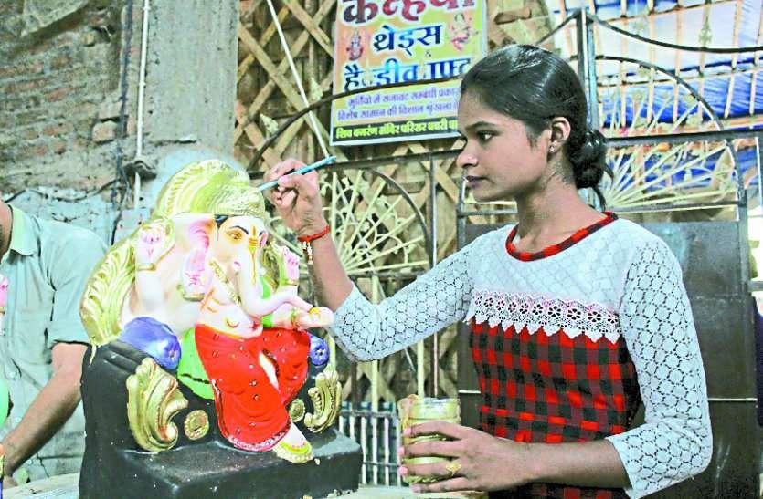 छत्तीसगढ़ का एक ऐसा गांव, जहां बेटियां भी हैं एक से बढ़कर एक मूर्तिकार