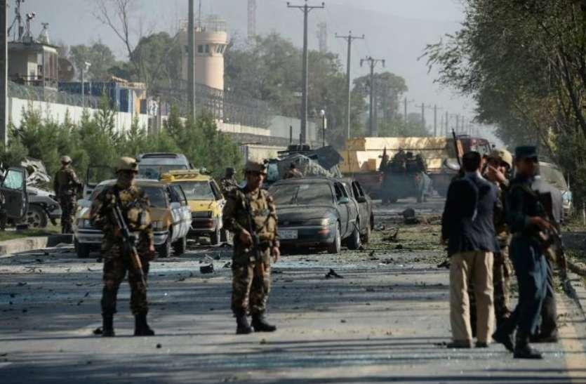 अफगानिस्तान: हवाई हमले में तालिबान की सेवा कर रहे डॉक्टर और जज समेत 10 की मौत