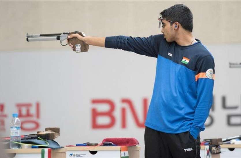 शूटिंग वर्ल्ड चैंपियनशिप: सौरभ चौधरी ने वर्ल्ड रिकॉर्ड के साथ 10 मीटर एयर पिस्टल में जीता स्वर्ण पदक