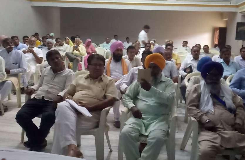 राजे पहली सीएम जो प्रदेश में घूम घूम कर अपने शासनकाल के बारे में बता रहीं हैं: सिंह