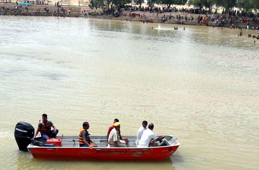रामसरोवर पर तैनात किए आरएसी के तैराक
