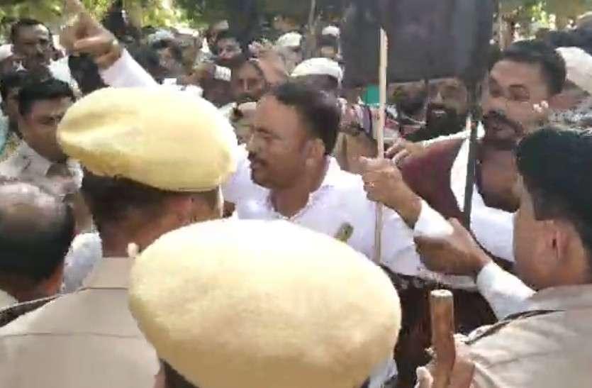 राजस्थान में यहां आंदोलनकारियों ने किया पथराव, जवाब में पुलिस का लाठीचार्ज, थानाधिकारी घायल