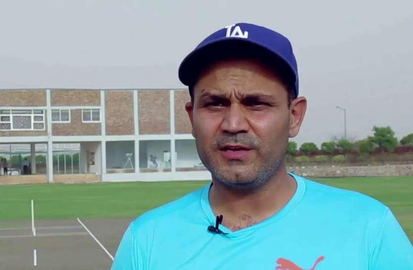 पृथ्वी शॉ को नहीं, बल्कि रोहित शर्मा को पांचवे टेस्ट में ओपनिंग करते देखना चाहते है सहवाग