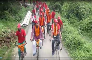एससी/एसटी एक्ट अध्यादेश के बाद सपा की साइकिल यात्रा में बढ़ती जा रही भीड़, बीजेपी को लगा झटका