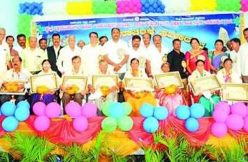 विवेकानंद शिक्षण संस्थान ने किया शिक्षकों का सम्मान
