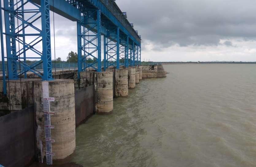 पिछले साल से ढाई गुना ज्यादा बारिश, फिर भी जिले के बड़े बांध प्यासे, जानिए क्या है बांधों की स्थिति